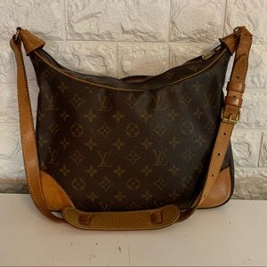 EUC Louis Vuitton Boulonge Shoulder Bag